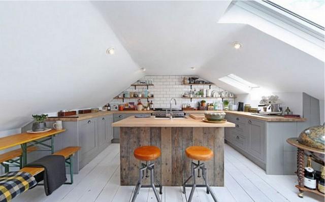 интерьер кухни студии мансарда фото
