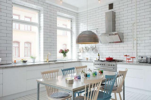 белая кухня в скандинавском стиле на фото