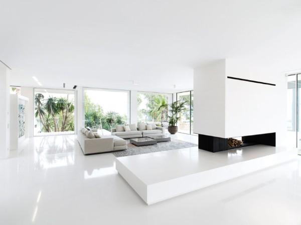 белый дизайн интерьера просторной гостиной в стиле минимализм