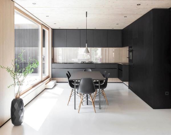 дизайн интерьера чёрной кухни в стиле минимализм