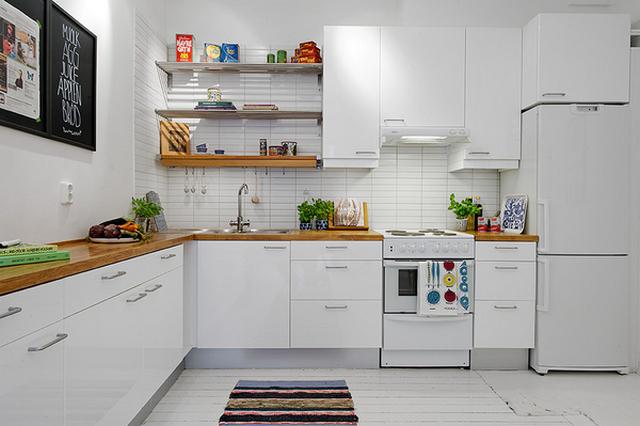 дизайн кухни в скандинавском стиле белый фартук