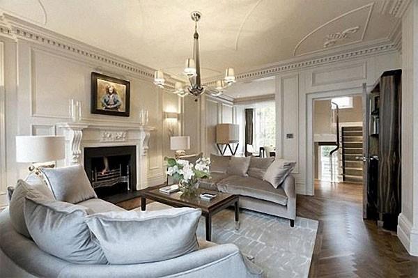 дом во французском стиле дизайн гостиной с камином