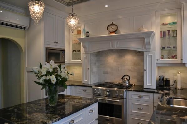 дом во французском стиле интерьер кухни