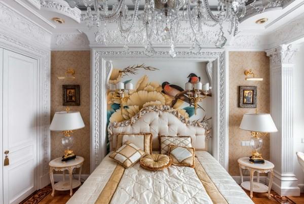дом во французском стиле изысканный белый интерьер гостиной