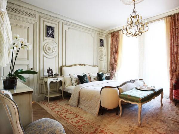 дом во французском стиле интерьер спальни