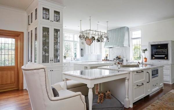 изысканная белая кухня во французском стиле
