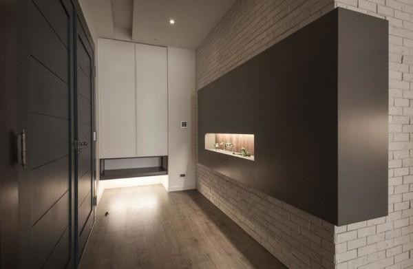 кирпич в дизайне интерьера прихожей в стиле минимализм