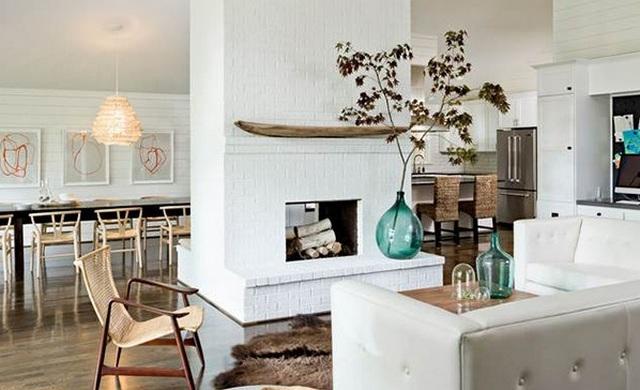 кухня гостиная с камином в скандинавском стиле фото