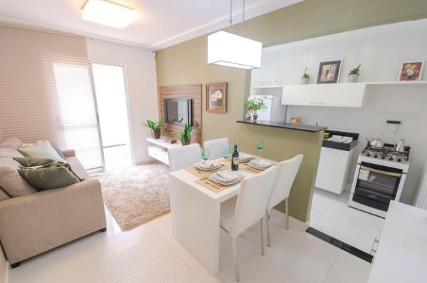 кухня студия с гостиной светлый дизайн