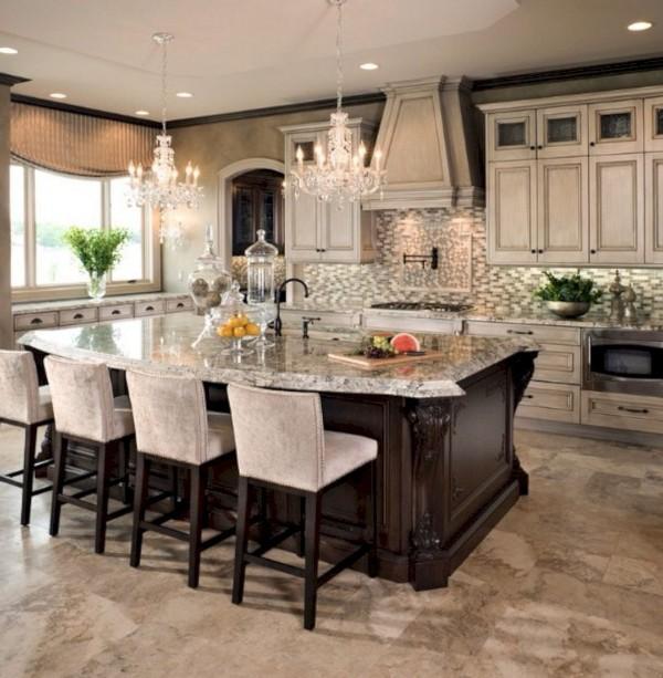 кухня во французском стиле со столом островом
