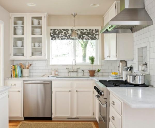 маленькая белая кухня во французском стиле