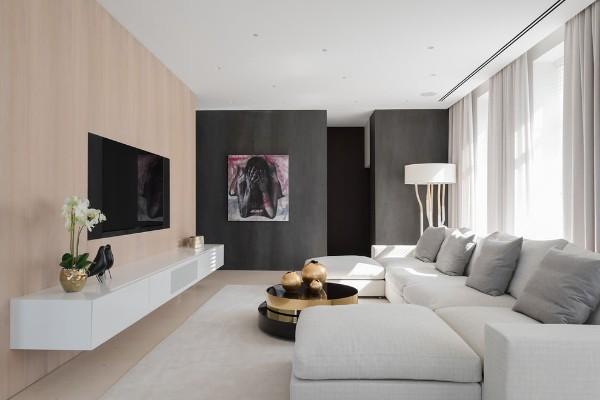 минималистический интерьер гостиной акцентная стена