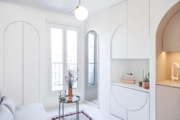 небольшая гостиная во французском стиле белый интерьер