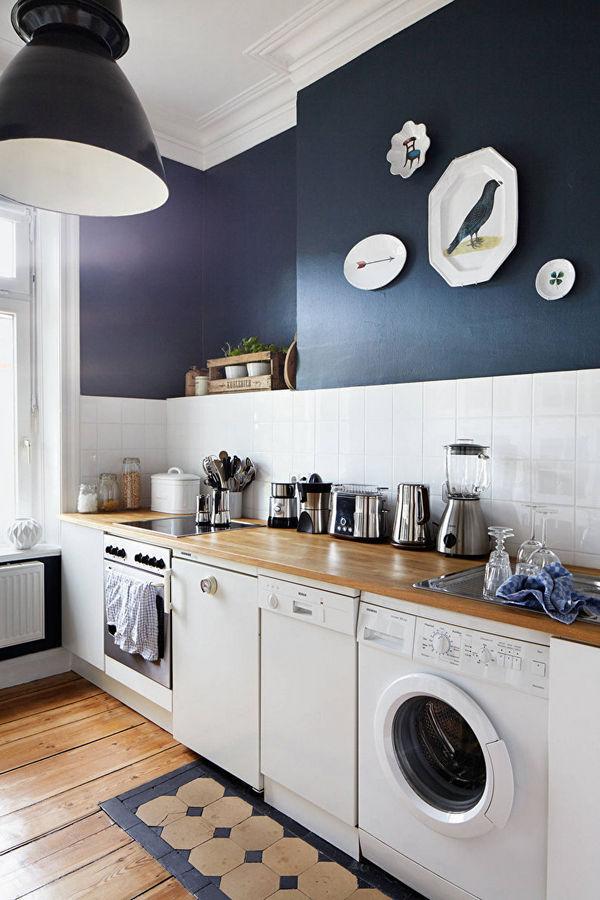 скандинавский стиль в интерьере кухни тёмно-синий