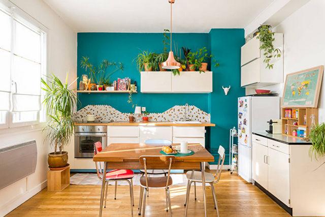 скандинавский стиль в интерьере кухни в бирюзовом цвете