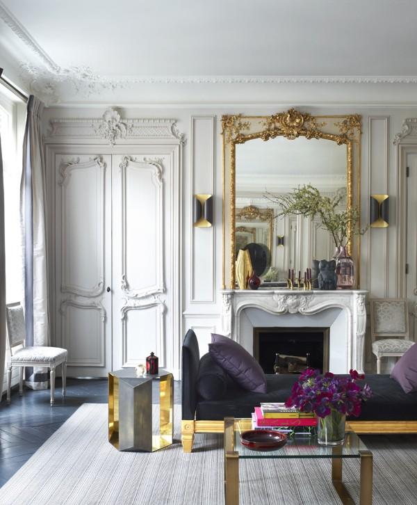 светлая гостиная во французском стиле лепнина и зеркала