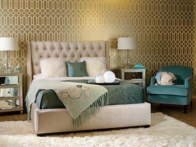 кровать в спальню пример
