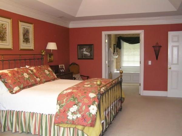сочетание цветов в интерьере спальни терракотовый