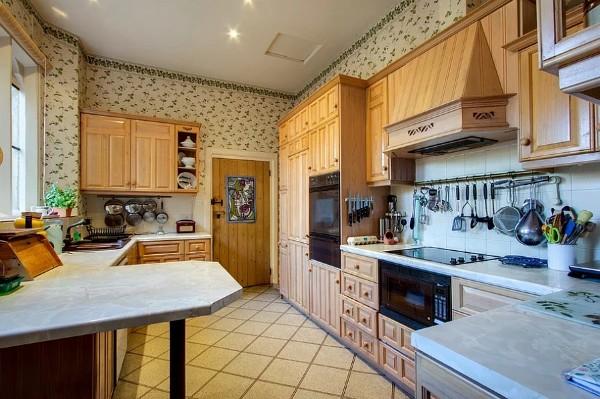 современные обои для кухни кремовый оттенок