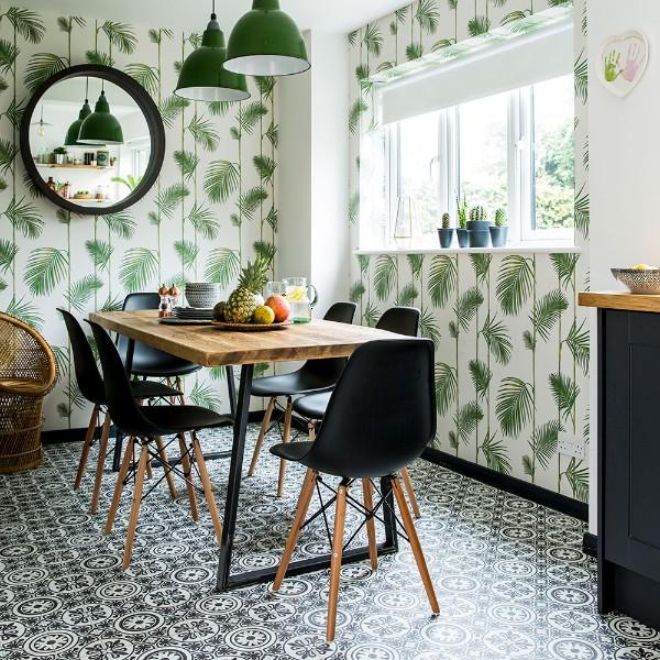 современные обои для кухни пальмовые листья на белом фоне