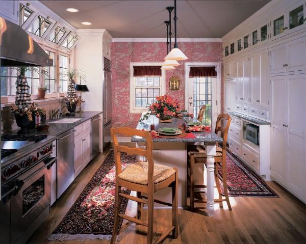 современные обои для кухни розовые акцентная стена