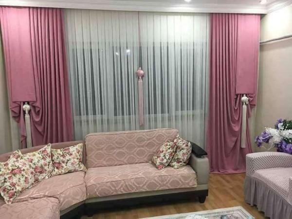 белые шторы нити с плотными портьерами в интерьере