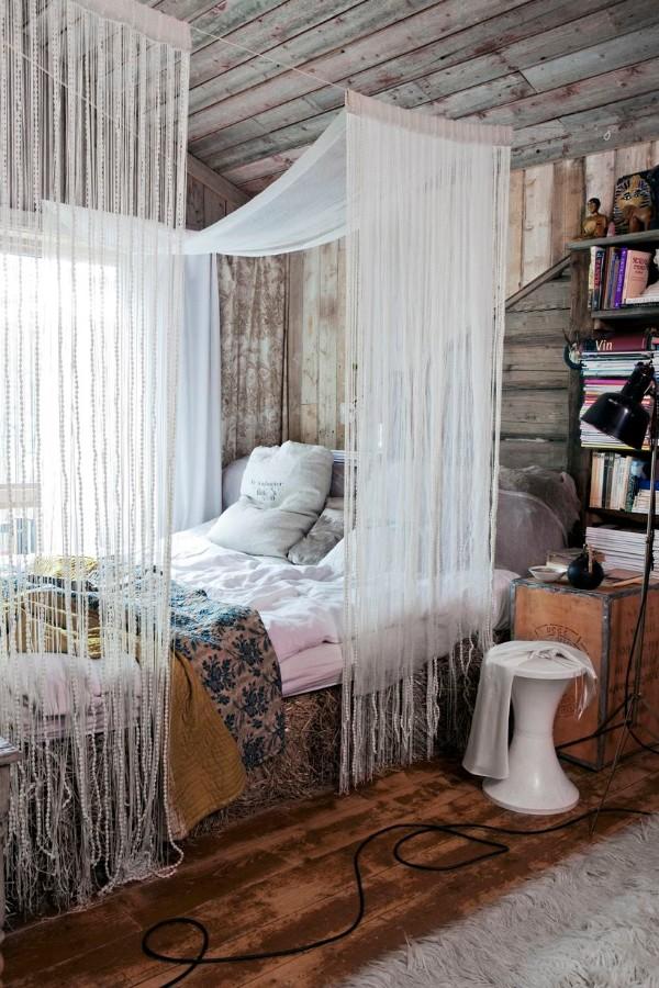белые шторы нити в интерьере спальни декорирование
