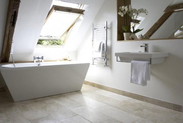 дизайн мансардного этажа ванная в скандинавском стиле