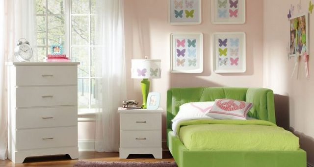 картины в спальню над кроватью бабочки
