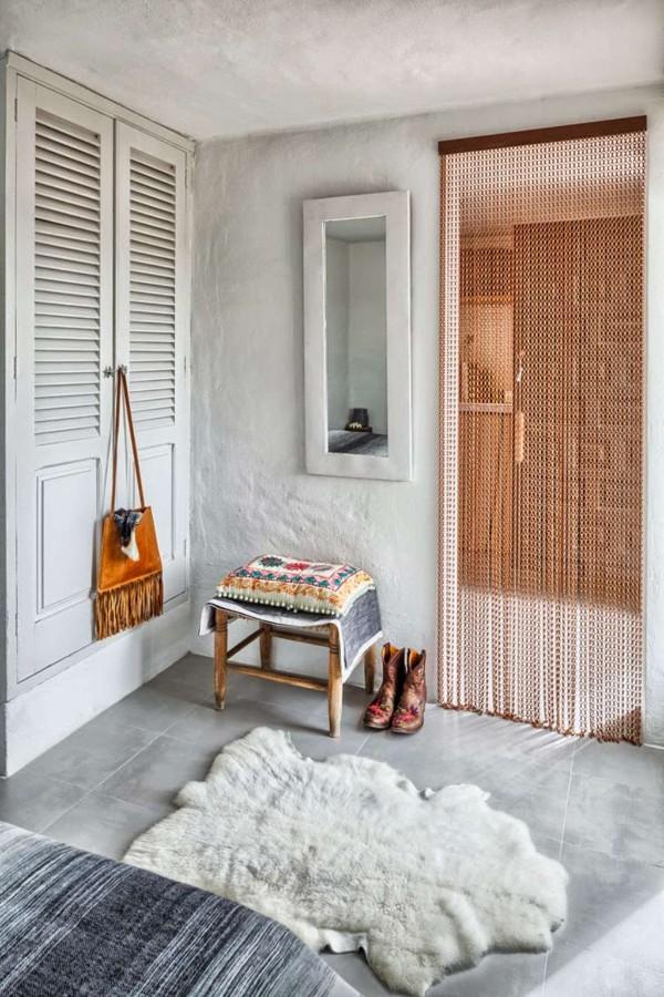 коричневые шторы нити в интерьере оформление дверного проёма кантри стиль