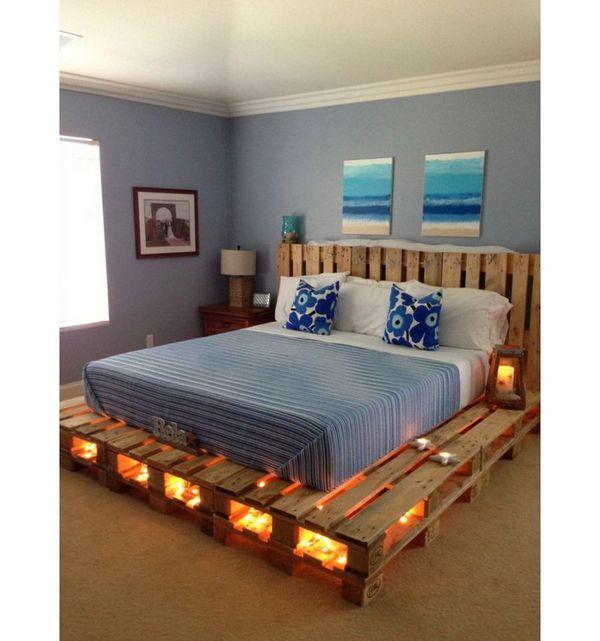 кровать в спальню из поддонов