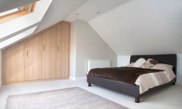 лаконичная спальня дизайн мансардного этажа