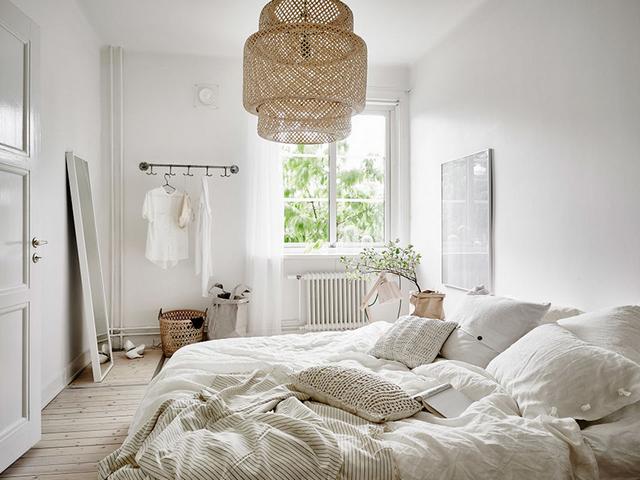 массивная люстра в спальню в скандинавском стиле