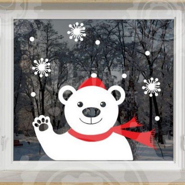 оформление окон к новому году снежинками фото