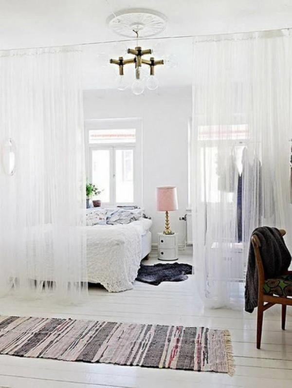 шторы нити в интерьере спальни кантри