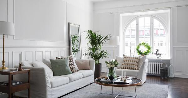 скандинавский стиль в интерьере гостиной молочно серый оттенок белого