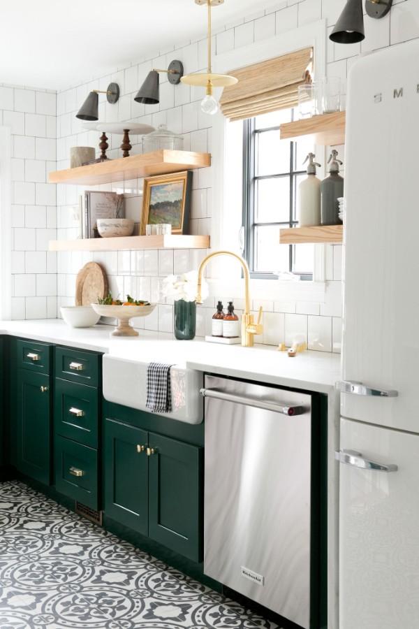 скандинавский стиль в интерьере кухни гарнитур изумрудного цвета