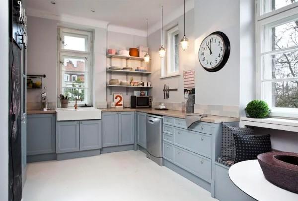 скандинавский стиль в интерьере кухни серо-голубой кухонный гарнитур