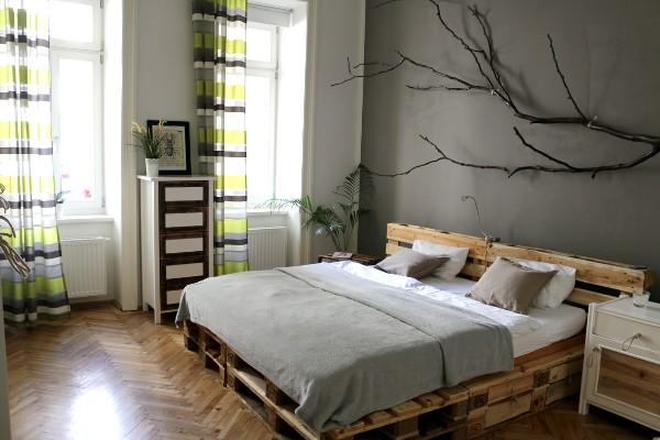 скандинавский стиль в интерьере спальни ковать из поддонов