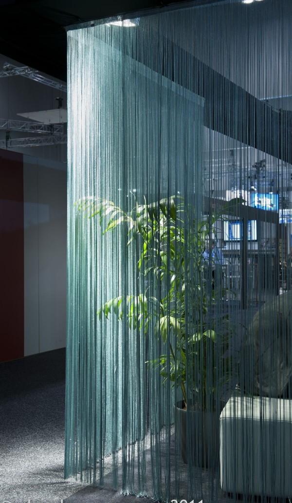 зелёные шторы нити в интерьере
