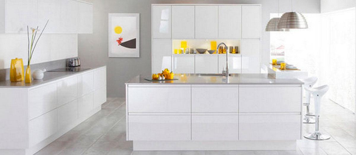 белая кухня в стиле хай тек остров