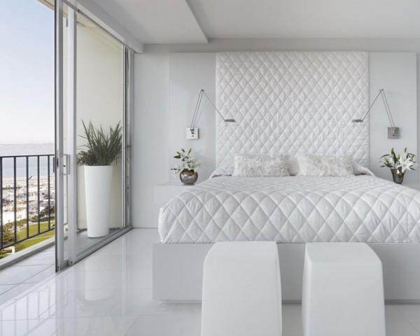 красивая белая спальня в современном стиле