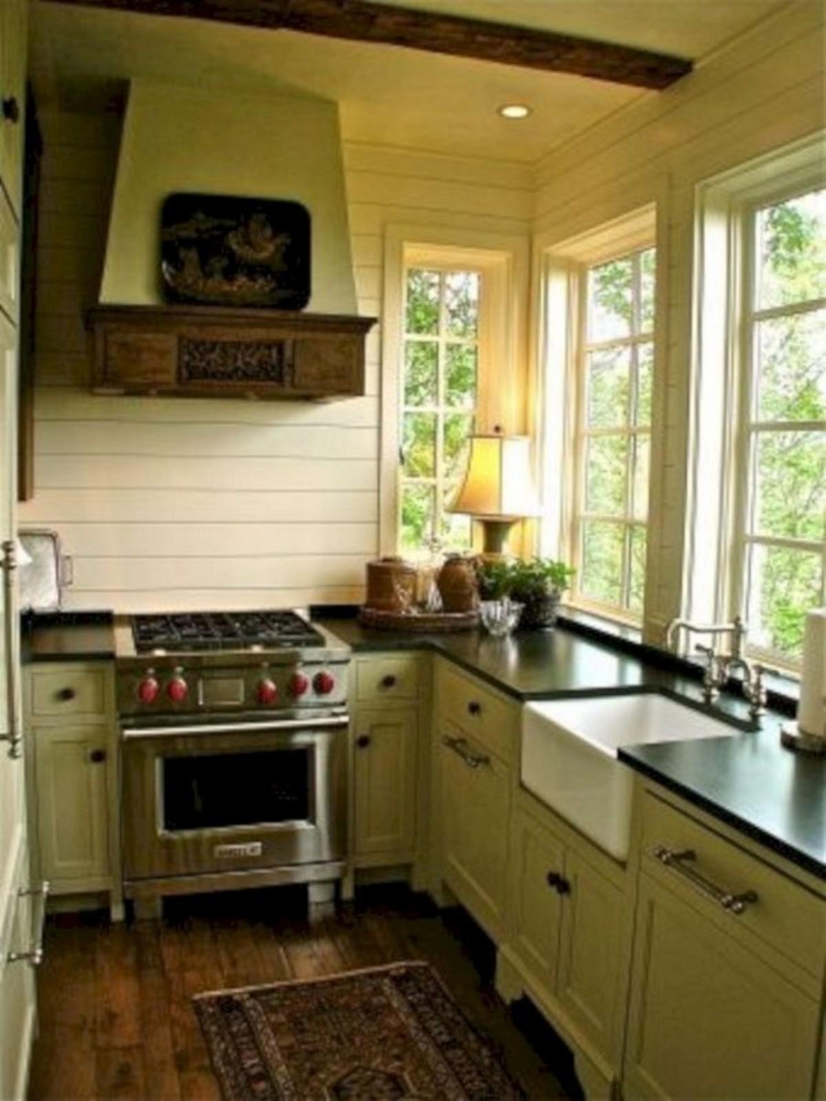 маленькая кухня в английском стиле