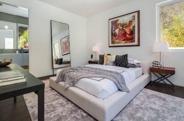спальня для девушки в совремнном стиле