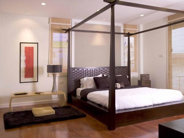 спальня в современном стиле кровать со стойками