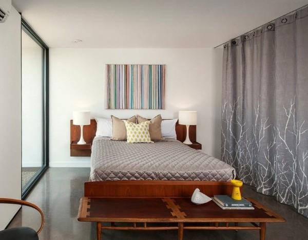 спальня в современном стиле навесные полки вместо тумбочек