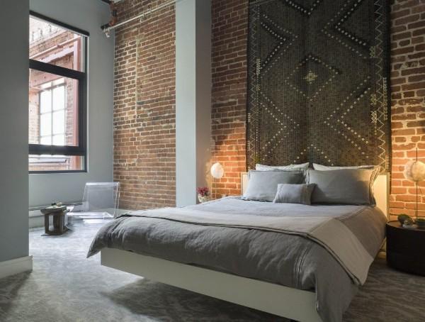 спальня в современном стиле с элементами лофтового дизайна