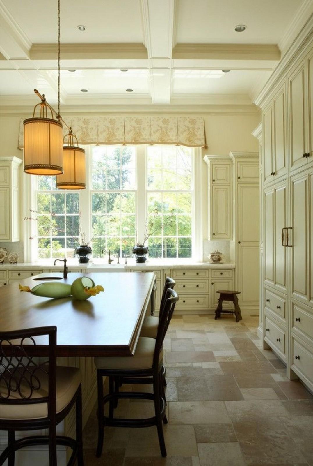 светлая кухня в английском стиле креативный светльник