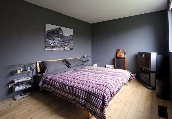 тёмная спальня в современном стиле