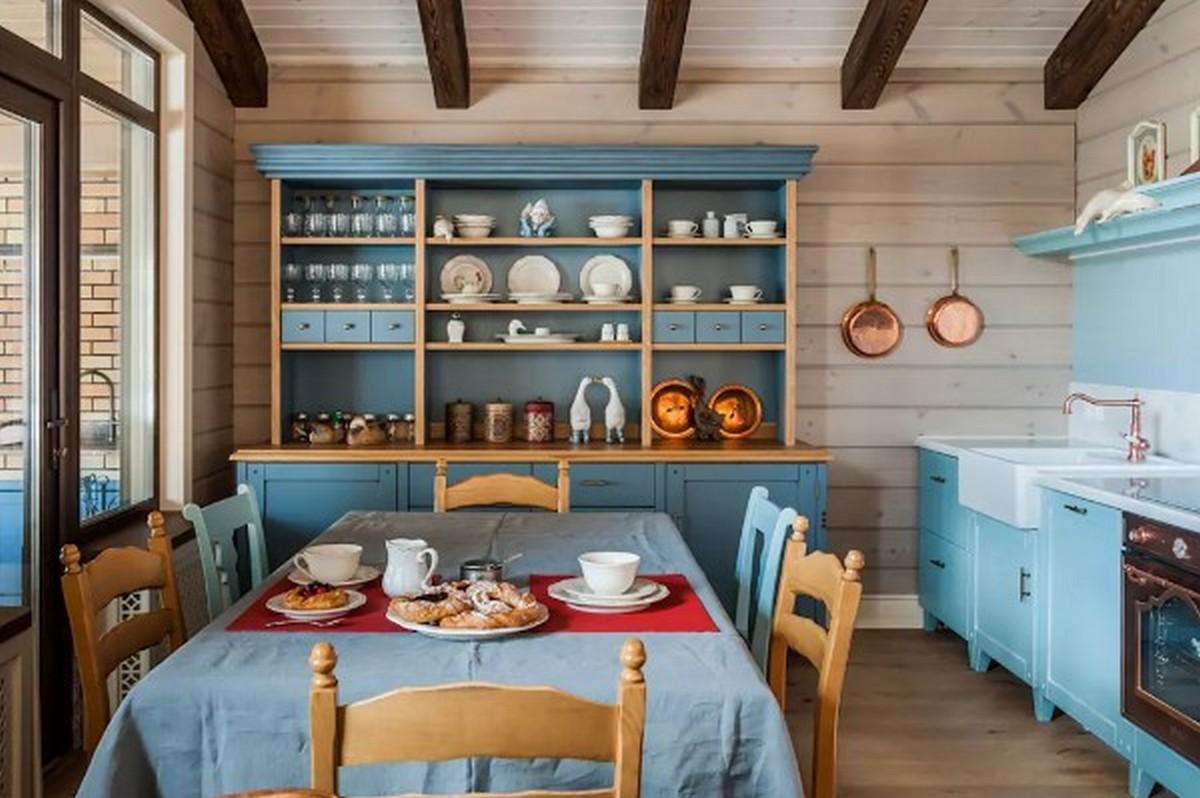 уютная бирюзовая кухня в английском стиле